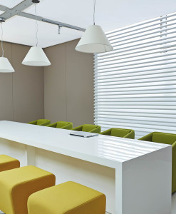 meeting tables - bianco